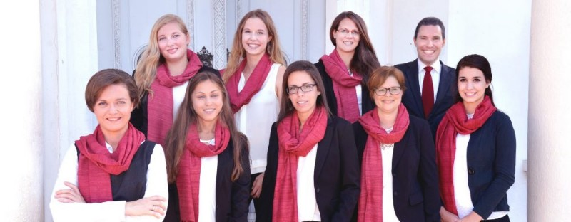 Team-Rechtsanwalt-Nina-Ollinger-Anwalt-Klosterneuburg-1-1000x390