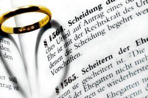 Nachnamen ändern oder behalten nach der Scheidung in Österreich